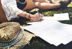 嬉皮音乐家歌曲作者文字概念 免版税库存照片