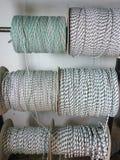 绳子和串卷轴  免版税图库摄影