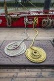 绳子在甲板高船的 免版税库存图片