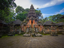 猴子森林寺庙在Ubud,巴厘岛 免版税库存照片