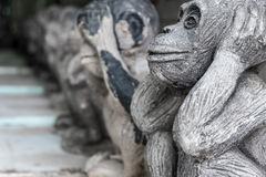 猴子雕象 免版税库存照片