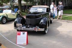1936绳子810敞蓬旅游车 免版税库存图片