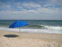 孑然是极乐-汉普顿海滩 免版税库存图片
