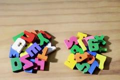 字母表和数字 免版税库存照片