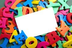 字母表在notecard上写字 免版税库存照片