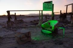 孟买海滩睡椅废墟 免版税库存照片