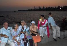 孟买的人们 库存图片