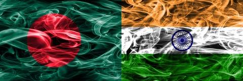 孟加拉国对印度肩并肩被安置的烟旗子 孟加拉国和印度的浓厚色的柔滑的烟旗子 库存例证