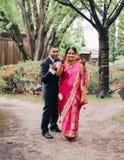 孟加拉新娘和新郎 免版税库存图片