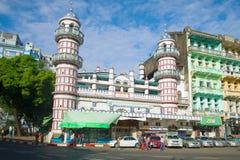 孟加拉逊尼派Jamae清真寺的看法在一个晴朗的下午的 缅甸仰光 免版税图库摄影