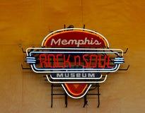 孟菲斯岩石和灵魂博物馆霓虹灯广告在孟菲斯接待中心 库存照片