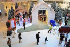 季节购物中心圣诞装饰 免版税库存照片