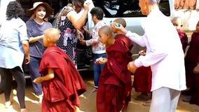 孤儿在Bagan,缅甸 影视素材