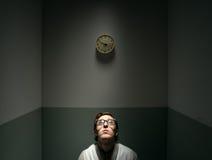 孤独的哀伤的书呆子人 免版税库存图片