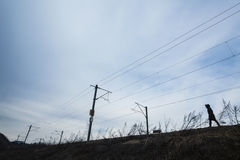 孤独的步行者 免版税图库摄影