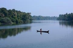 孤独的渔夫。 库存图片