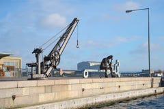 孤独的铁人坐码头 哥本哈根丹麦 库存照片
