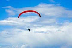 孤立滑翔机的吊 库存图片