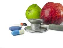 医学、果子和听诊器身体好的标志,长的锂 免版税库存图片
