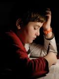 学习年轻人的男孩 免版税库存照片