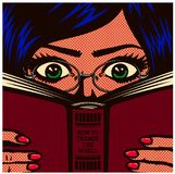 学习流行艺术漫画书书痴讨厌的女学生的女孩和阅读书传染媒介例证 向量例证