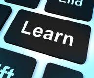 学会显示学会和学习的计算机键盘 免版税库存照片