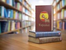 学会西班牙概念 西班牙字典书或textbok与f 图库摄影