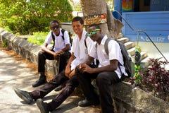 学校孩子在贝基亚岛,加勒比 库存照片