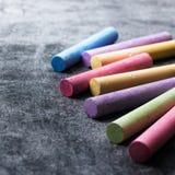 学校片断在老黑黑板用粉笔写 免版税库存照片