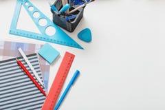 学校用品的收集 免版税库存图片
