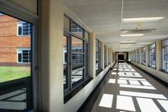 学校走廊 免版税库存照片
