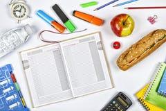 学校,文具,辅助部件, backtoschool,组织,类,平的位置 大模型 顶视图 复制空间 免版税库存图片