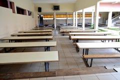 学校CANTINE桌 图库摄影