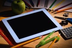 学生制表与学校用品 免版税库存图片
