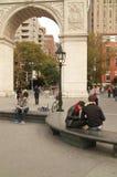 学生在华盛顿广场纽约美国 库存图片