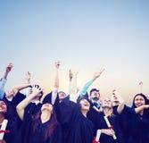 学生庆祝教育毕业幸福概念 库存图片