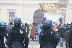 学生示威在米兰2010年12月22日 库存图片