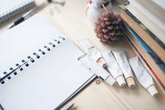 学生` s书桌在天圣诞节假日 免版税图库摄影