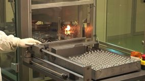 医学的自动化的生产 在药物包装以后的检查 影视素材