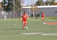 学院NCAA DIV III女子的足球 库存图片