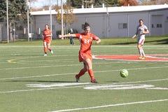 学院NCAA DIV III女子的足球 图库摄影