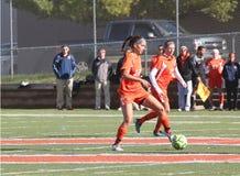 学院NCAA DIV III女子的足球 免版税库存照片