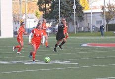 学院NCAA DIV III女子的足球 免版税库存图片