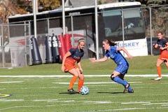 学院NCAA DIV III妇女足球 免版税库存照片