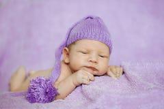 婴孩休眠 新出生,孩子艺术 秀丽儿童、男孩或者女孩睡眠 免版税库存照片