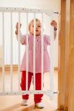 婴孩和台阶门 免版税库存图片