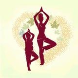 婴孩和妈妈的瑜伽 图库摄影