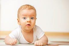 婴孩四个月 图库摄影