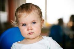 婴孩在家 免版税库存图片