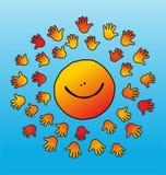 孩子似微笑的和软绵绵地接触的太阳 免版税库存照片